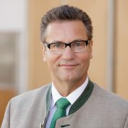minister-peter-hauk-mdl-web